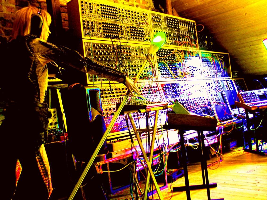 SynxsS-Studio 01